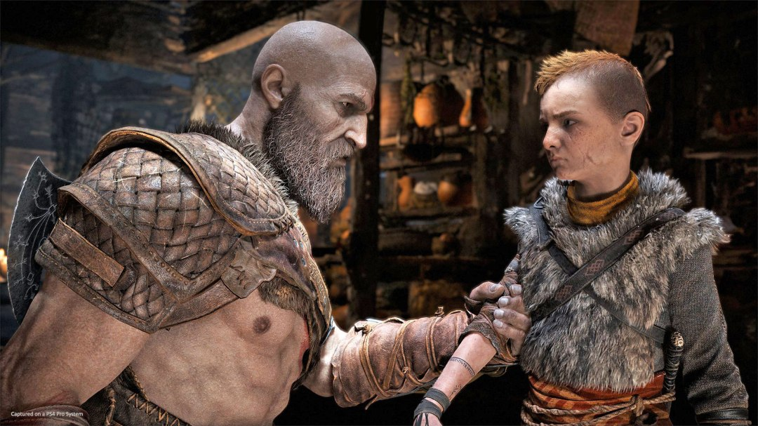 God of War Kratos Grabs Atreus